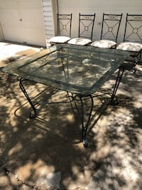 Very sturdy metal and glass table and chairs Killeen, 76543