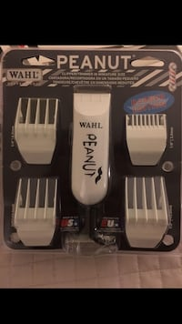 Wahl peanut clipper trimmer in miniature size package