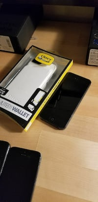 IPhone 5 16gb unlocked with new otterbox