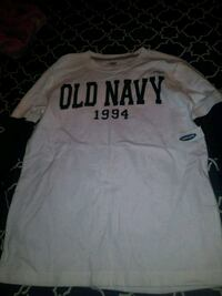 white and black Old Navy crew-neck shirt