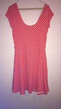 red and white scoop neckline cap-sleeve polka dotted dress