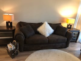 Beautiful dark chocolate brown couch in excellent condition!