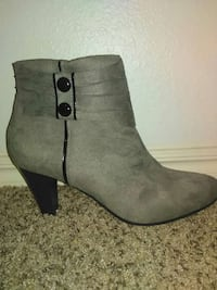 grey and black leather chunky boots Oklahoma City, 73159