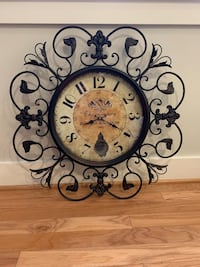 Decorative hanging clock