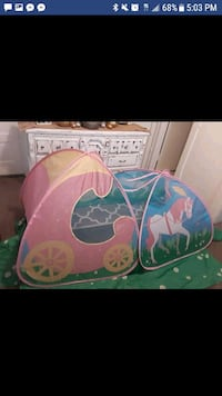 Large fun carriage princess play fort tent Folds f Wrightsville, 17368