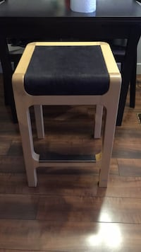 gray and black wooden chair 3711 km