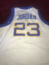white and blue Lakers 24 jersey Clinton, 20735