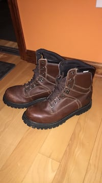 Waterproof wolfhound boots size 10 Altamont, 12009