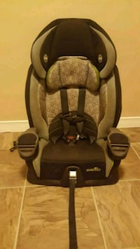 baby's gray and black car seat London, N5V 1A7