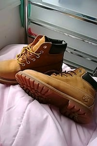 pair of brown Timberland work boots Hamilton, 45011