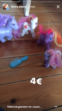 quatre captures d'écran de My Little Pony