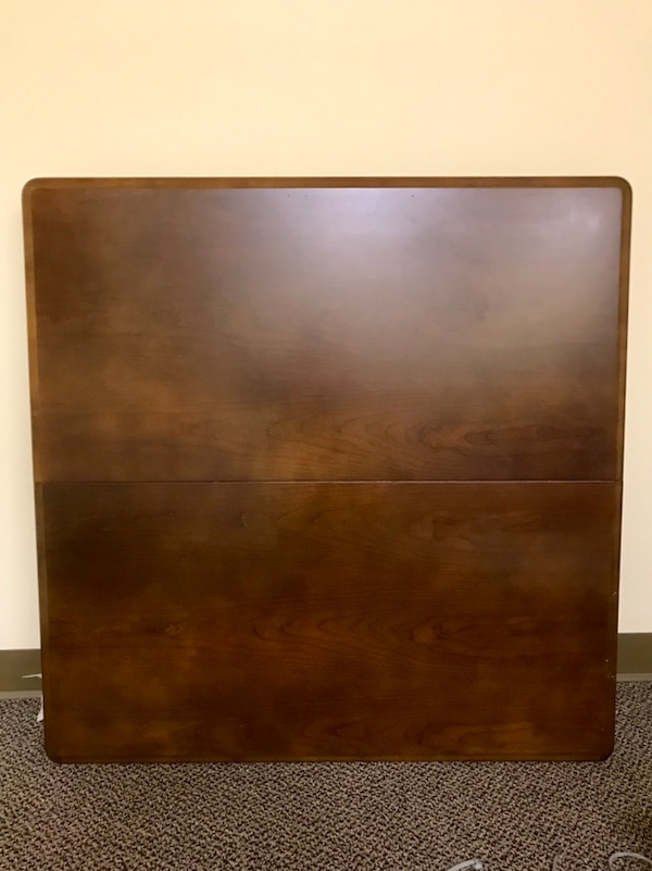 Square table 38x38