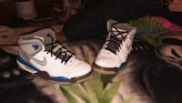 pair of white-and-blue Air Jordan shoes 686 mi