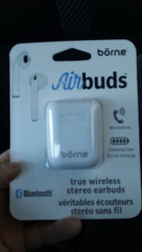 Airbuds brand new Mississauga, L5A 1W5
