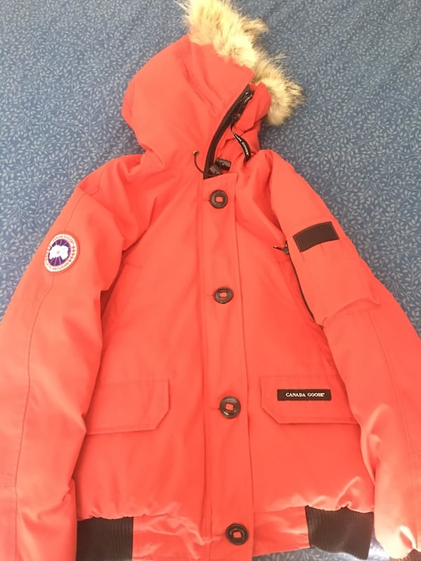 Canada Goose. Women's size M 1