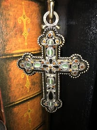 Gold decorative cross with stand Spokane Valley, 99216