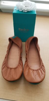 TIEKS BALLET FLATS IN CHESTNUT BROWN Surrey