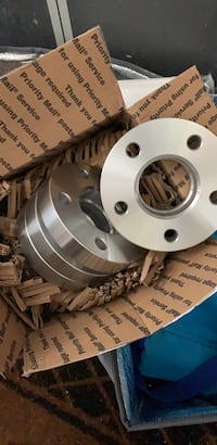 Set of 4 wheel spacers for Mercedes w203 body style never used never had the time to put them on