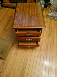 3 drawer night stand Clifton, 20124