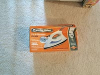 red and white Black & Decker hedge trimmer box Laurel, 20723