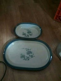 two round white-and-blue floral ceramic plates Trilla, 62469