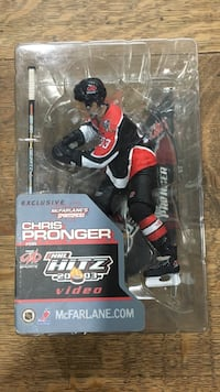 2003 chris pronger nhl hitz figurine Barrie, L4M 7J8