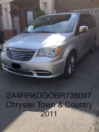 Chrysler - Town and Country - 2011 Mississauga