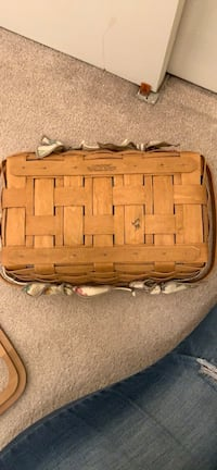 Longaberger Small Gathering Basket with clear liner and cover- Brand New and never used  Columbia, 21045