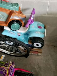 blue and purple ride-on toy car Haines City, 33844