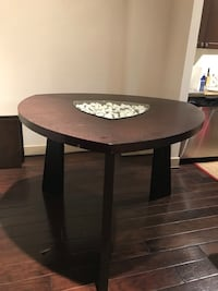 Beautiful table with glass and rocks in the center. Arlington, 22204