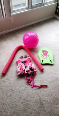 Swimming tools for girls , all for 10 $ Toronto, M5G 2C4
