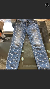 Free people floral jeans  Reston, 20190