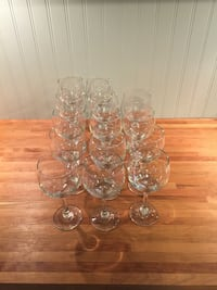 14 white wine glasses.