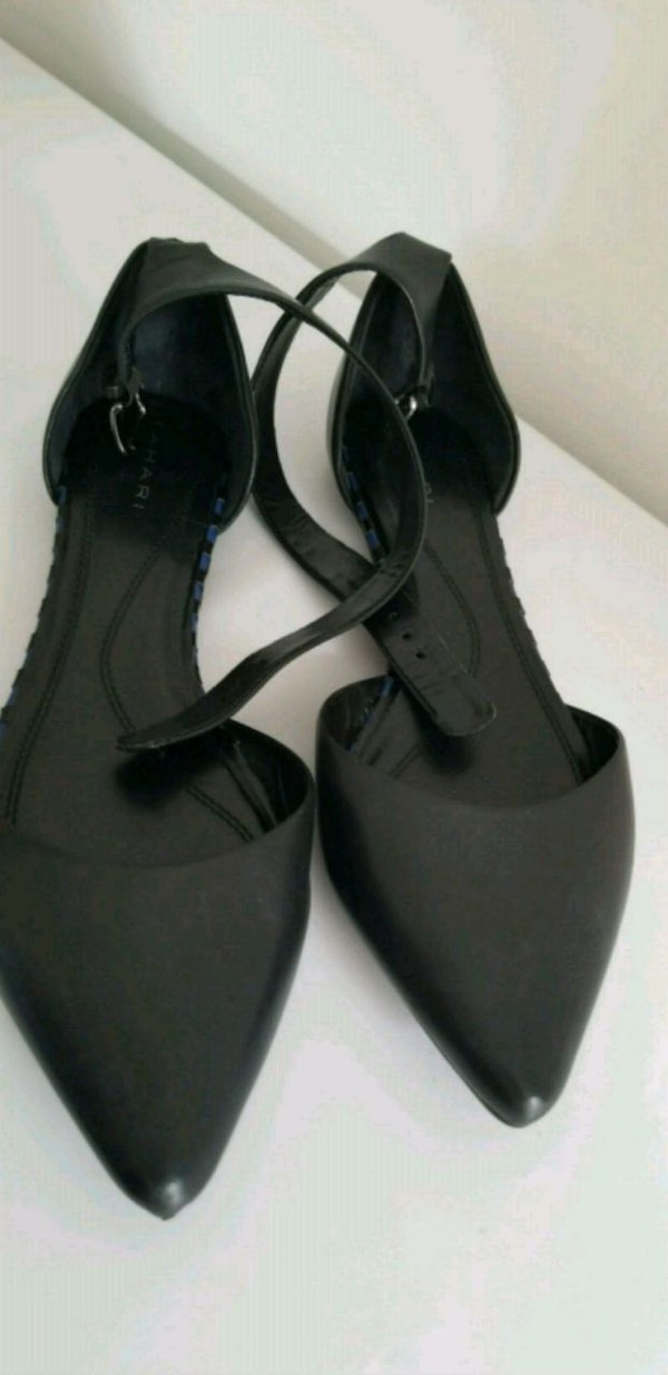 Tahari Leather Flats with Ankle Strap Size 9.5