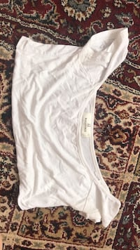 off the shoulder sexy underboob shirt size small  Toronto, M2R 3A2