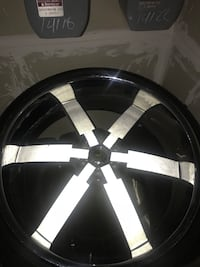 28s 6 lugs rims white and Crome