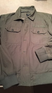 Men's army green jacket new! Size small