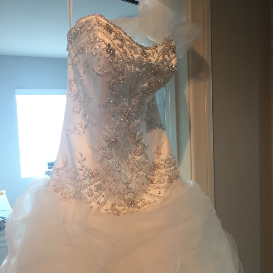 letgo - Never worn wedding dress by Alf... in Winchester, NV