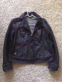 New guess jean jacket size extra large. Colton, 92324