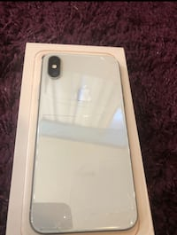 iPhone X cracked