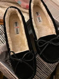 Black Minnetonka slippers Rocklin, 95765