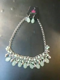 silver and white beaded necklace 995 mi