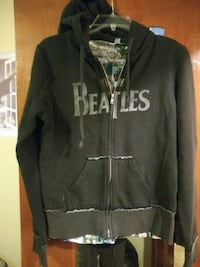 Very cute Beatles hoodie with t-shirt under size m Anoka