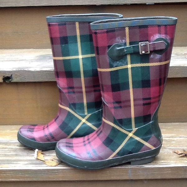 a38fe1b4664 L.L. Bean Wellie Plaid Rubber Boots - Women's Size 8 - Very Good Condition