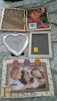 4 picture frames,