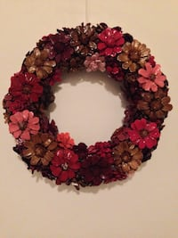 Decorative handcrafted pine comb flower wreath Mississauga, L5J 1V8