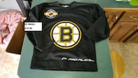 Boston Bruins adult sz small jersey Bedford, B4A 3Y4