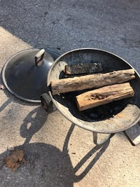 Fire pit with lid on wheels  Gambrills, 21054