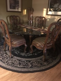 Extra Large tempered glass table with silk seats Los Angeles, 90042