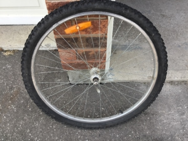 "26"" mountain bike front wheel 18 speeds"